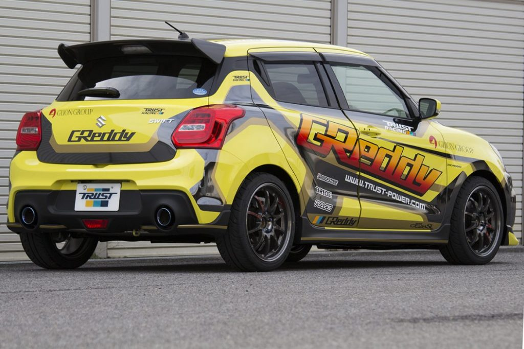 Swift Sport alettone posteriore GReddy